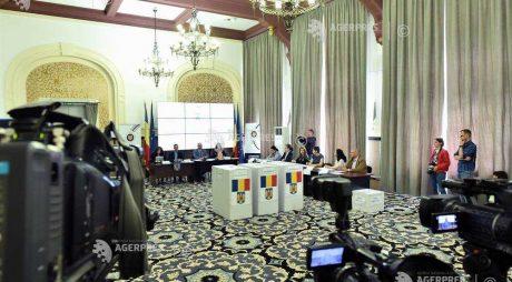 Simulare de vot pentru alegerile de duminică; AEP a prezentat paşii pe care trebuie să îi parcurgă alegătorul