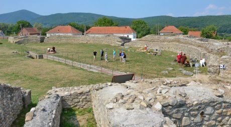 CJ Hunedoara a depus proiectul pentru restaurarea Amfiteatrului de la Ulpia Traiana Sarmizegetusa