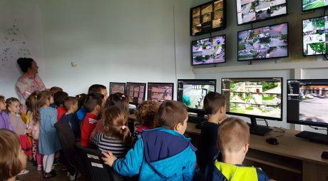 35 de preșcolari, în vizită la Primăria municipiului Hunedoara