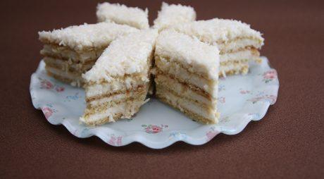 Prăjitură Albă ca Zăpada, rețetă originală. Secretul celui mai bun desert