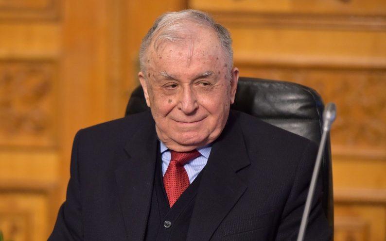 1559832355_Fostul-preşedinte-Ion-Iliescu-a-fost-externat.-Ce-spun-medicii