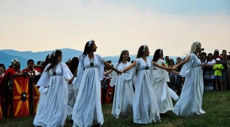 24 iunie: Cea mai mare şi mai spectaculoasă sărbătoare păgână a anului. SUPERSTIȚII în noaptea de Sânziene