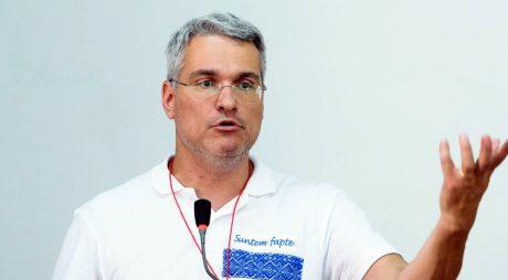 Celebra firmă a europarlamentarului PLUS Dragos Pîslaru a făcut afaceri și cu Consiliul Județean Hunedoara!