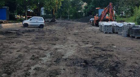 Hunedoara: A început asfaltarea unei părți a celui mai vechi cartier