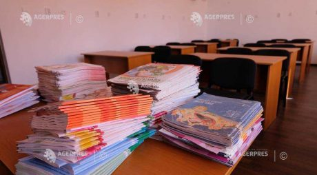 MEN: Peste trei sferturi dintre manualele şcolare pentru clasele I-VII sunt asigurate