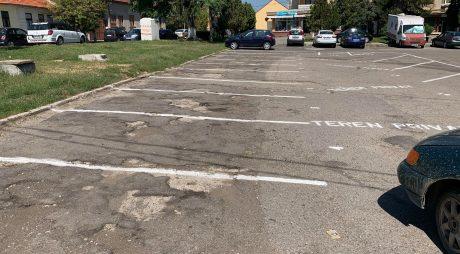 Deva: Parcare fără documente legale în centrul orașului
