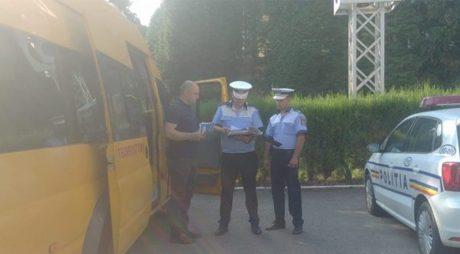 SR IPJ Hunedoara: Microbuzele școlare, la verificat