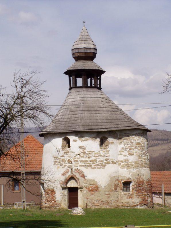Biserica_Reformata_Rotonda_Geoagiu_011-768x1024