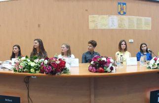 Elevii de 10 la Bacalaureat și Evaluarea Națională, premiați