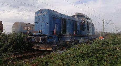Locomotiva unui tren de călători a luat foc în vestul țării
