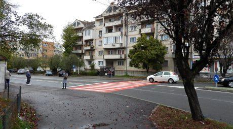 DEVA: Continuă operațiunea de marcare a trecerilor de pietoni din oraș