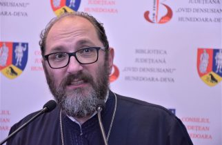 Părintele Constantin Necula, oaspete al Salonului Hunedorean al Cărții