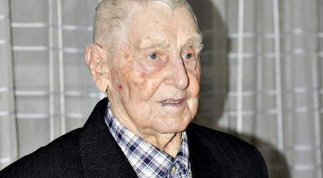 Hunedoara: Veteran de război, sărbătorit la împlinirea vârstei de 100 de ani
