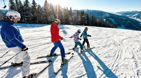 S-a deschis sezonul de schi la Straja