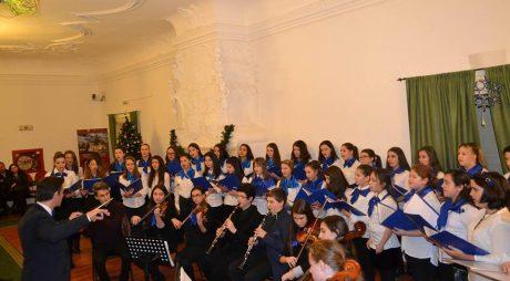 """Concert de colinde al Corului LIRA de la Liceul """"Sigismund Toduță"""""""