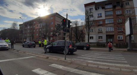Deva: Pieton lovit în timp ce trecea strada regulamentar