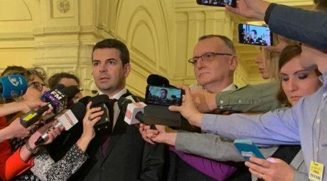 Daniel Constantin și Sorin Cîmpeanu au fost primiți în PNL și sunt membri în Biroul Executiv