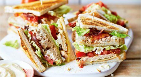 Club Sandwich, cea mai gustoasă rețetă. Acum, îl poți prepara acasă rapid!