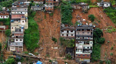 VIDEO: Inundații în Brazilia după cele mai abundente ploi din ultimii 110 ani