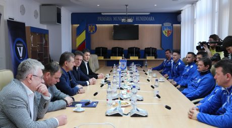 Parteneriat Club Sportiv Hunedoara – CS Academia de fotbal Gheorghe Hagi și Viitorul FC Constanța