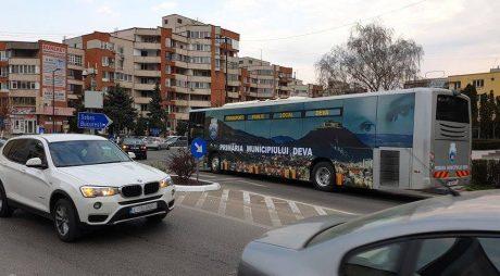 Deva: Începe distribuirea tichetelor gratuite pentru transportul public local
