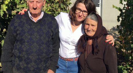 EDITORIAL: Stați acasă dacă vă iubiți bunicii și părinții!