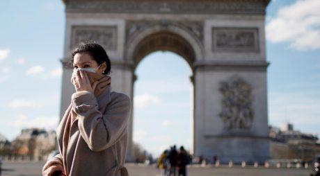 Noile măsuri drastice din Franța intră în vigoare astăzi. Orice ieșire din casă trebuie justificată