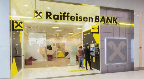 Raiffeisen Bank amână cu 3 luni plata ratelor pentru IMM-uri şi le prelungeşte liniile de credit imediat scadente