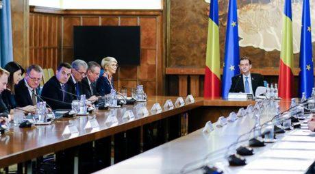 Guvernul se reuneşte în şedinţă; pe ordinea de zi – proiectul referitor la carantină şi izolare în acord cu recomandările CCR