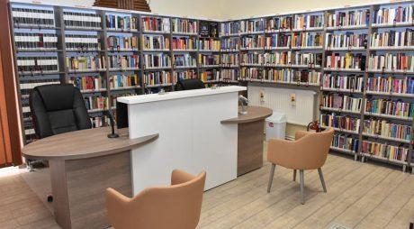 """Secția de Împrumut a Bibliotecii Județene """"Ovid Densusianu"""" Hunedoara-Deva și-a schimbat înfățișarea"""