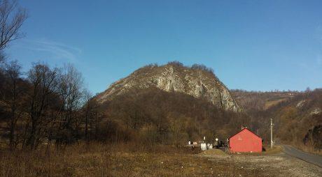 Măsurători topografice în cetatea dacică de la Bănița