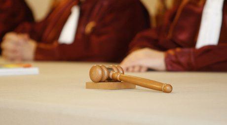 CCR discută sesizarea Avocatului Poporului privind două articole din Legea carantinării