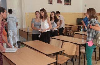 Elevii din anii terminali se întorc pe 2 iunie la şcoală; se fac numai activităţi de pregătire a examenelor naţionale