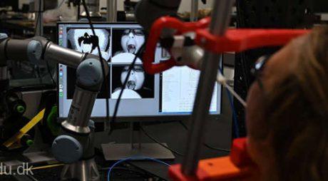 Un robot care recoltează probe pentru depistarea coronavirusului, dezvoltat de cercetători danezi
