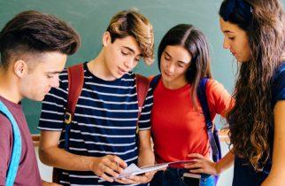 Admitere liceu/ De luni elevii pot să-şi depună dosarele de înscriere la şcolile la care au fost admişi