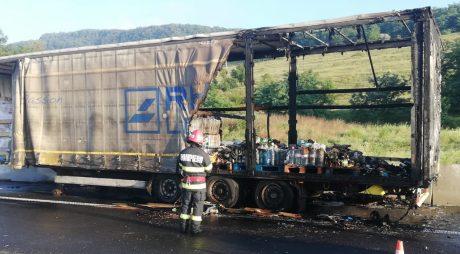Incendiu pe Autostrada A1, în apropiere de Mintia