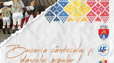 Spectacol folcloric în Piaţa Victoriei, din Deva!
