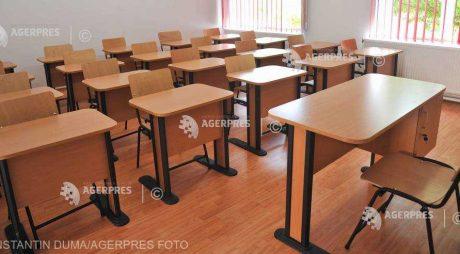 Noi date privind desfăşurarea cursurilor: 313 unităţi de învăţământ – lecţii online; 4.505 – în scenariu mixt