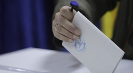 BEC – prezenţă la urne: Până la ora 12,00 au votat 15,69% dintre alegători