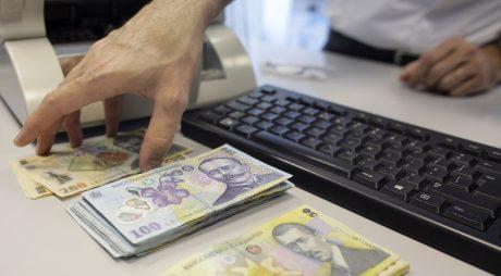 Curtea Constituțională a amânat a treia oară decizia privind legea care impozitează pensiile speciale. Termen nou, după alegeri