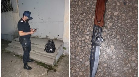 Elev în vârstă de 15 ani, prins cu cuţitul în şcoală. O colegă fusese surprinsă anterior cu două cuţite
