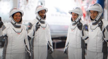 SpaceX. Visul lui Elon Musk devine realitate: Transportul oamenilor către Staţia Spaţială, aprobat de NASA