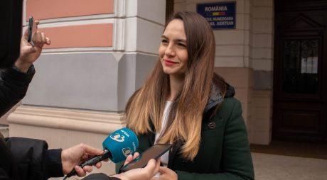 """Anamaria Gavrilă: Actualul Guvern și """"Echipa Câștigătoare"""" au închis Mintia și i-au lăsat pe copiii din Deva în frig"""