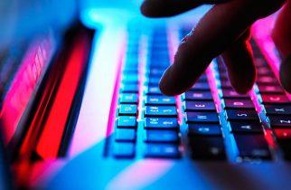 Expert în cibernetică: În timpul crizei coronavirusului, spaţiul cibernetic a devenit echivalentul unui adăpost atomic