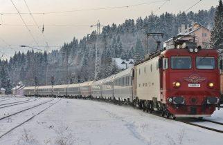 Circulaţia trenurilor se desfăşoară în condiţii de iarnă; întârzieri de sute de minute ale unor trenuri