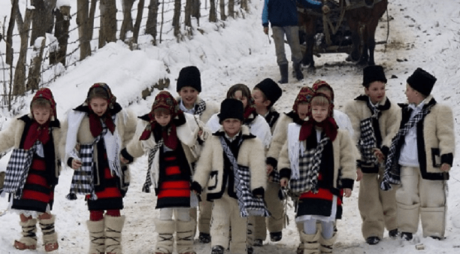 7 ianuarie: Crăciunul pe rit vechi. De ce Nașterea Domnului este sărbătorită în două luni diferite