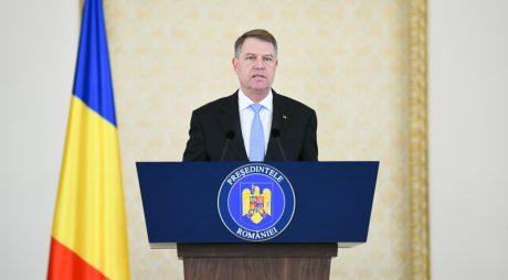 Preşedintele Iohannis spune că vaccinarea va trebui să devină obligatorie pentru anumite categorii din domenii esenţiale
