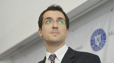 Vlad Voiculescu: Va exista pe paginile Ministerului Sănătăţii şi Ministerului Educaţiei un formular tip pentru exprimarea