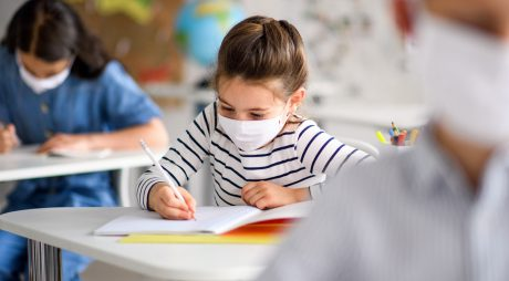 """Coronavirus: Copiii riscă o """"catastrofă generaţională"""" din cauza pandemiei (ONG)"""
