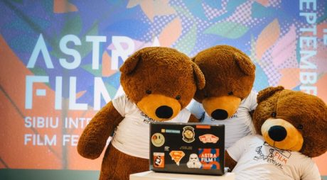 Astra Film continuă online